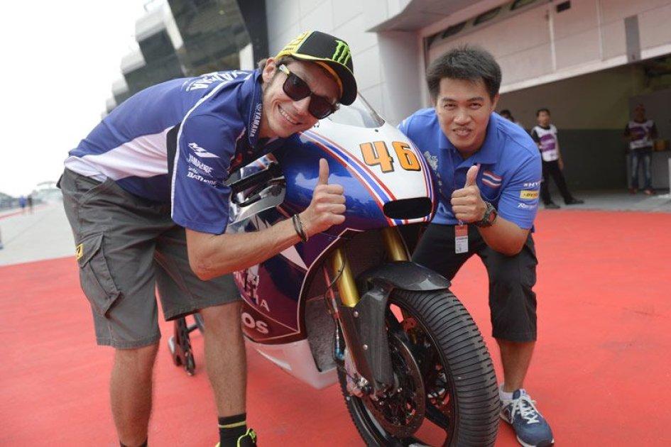 In Moto2 Valentino Rossi è.. thailandese