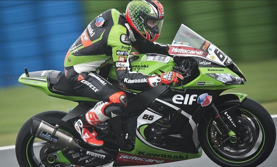 Sykes e Guintoli in fuga nel WUP