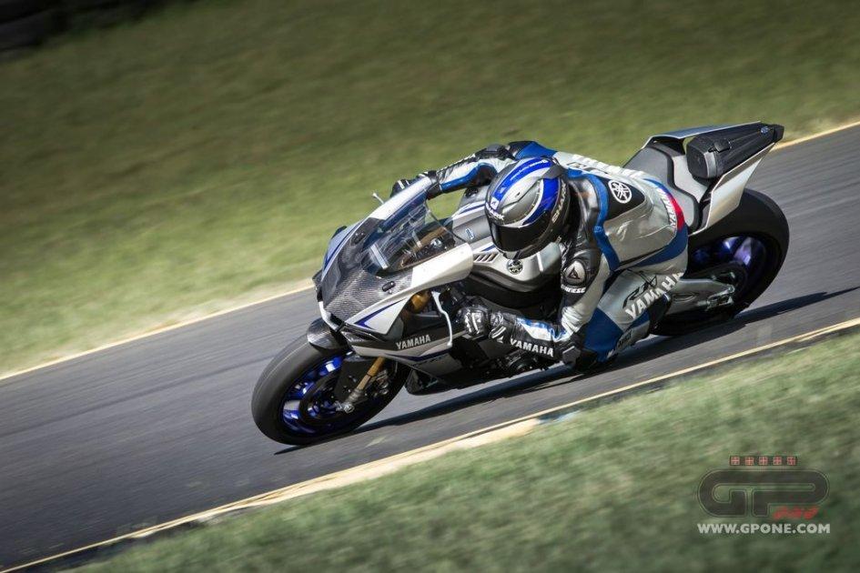 Yamaha con Dainese per la nuova R1