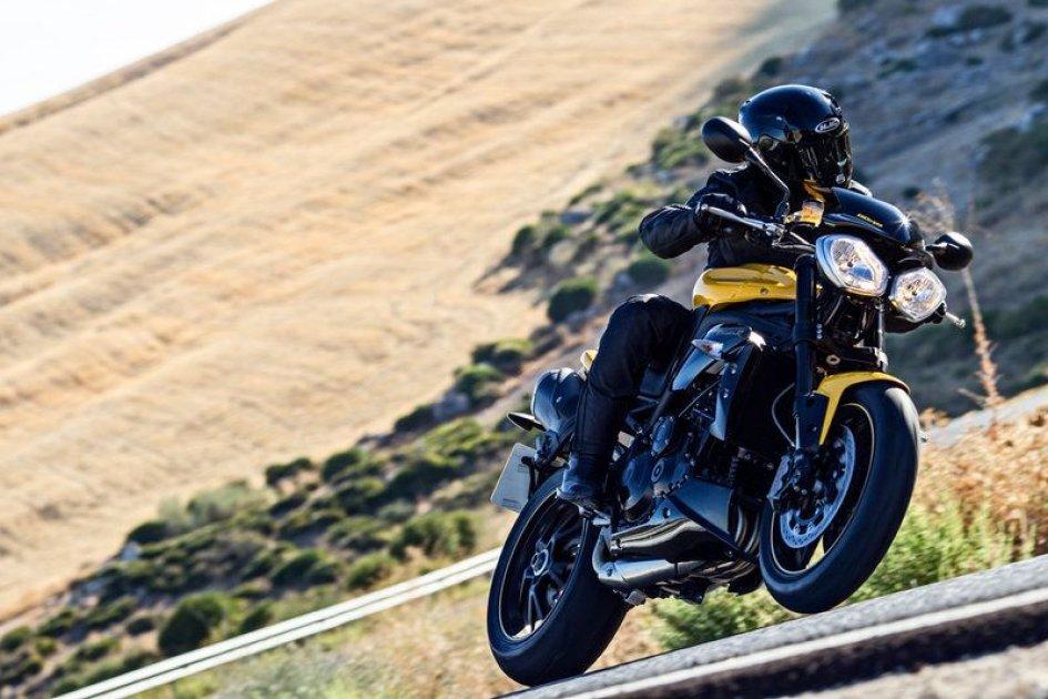 Triumph Speed 94: la nuda si fa grande