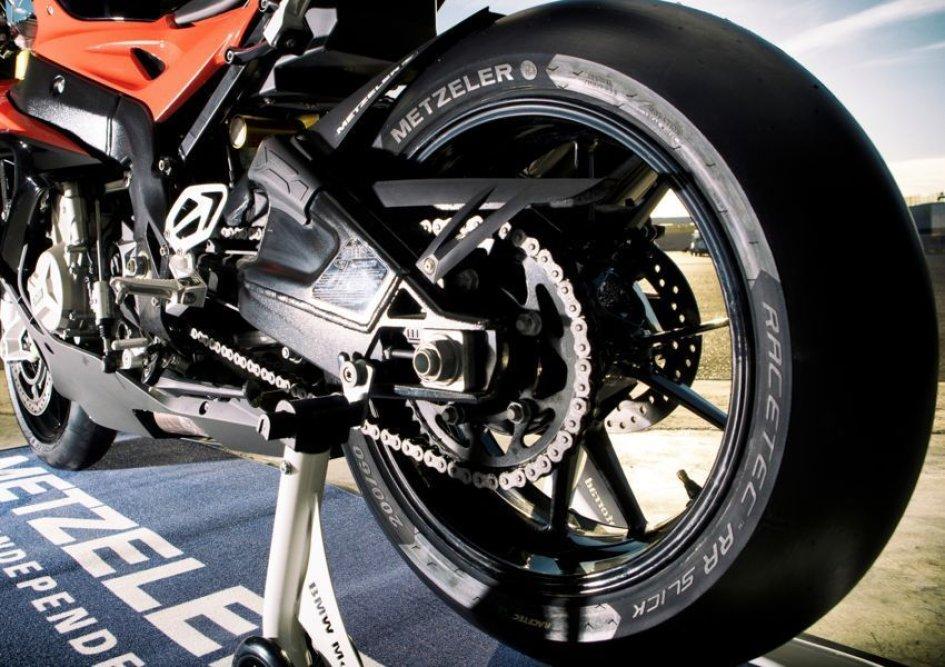 Metzeler Racetec RR Slick: armi da pista
