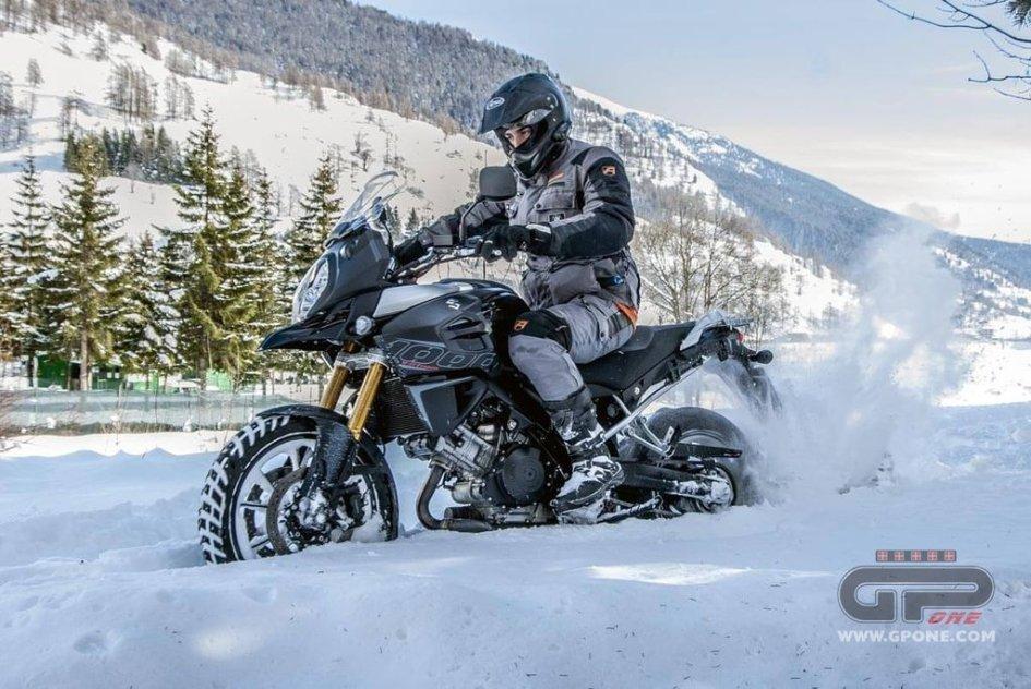ECCOLA Suzuki V-Strom 650XT ABS Fun Ride