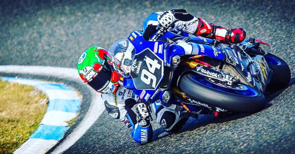 Superstock: A Imola Yamaha Pata punta su Louis Rossi