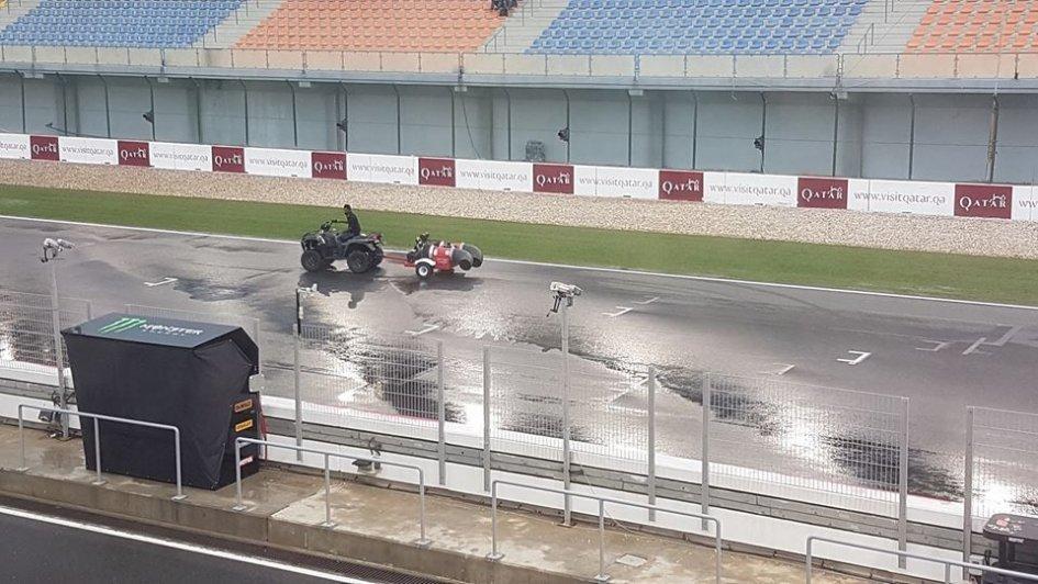 MotoGP: Piove sul bagnato, cancellato il turno MotoGP delle 18