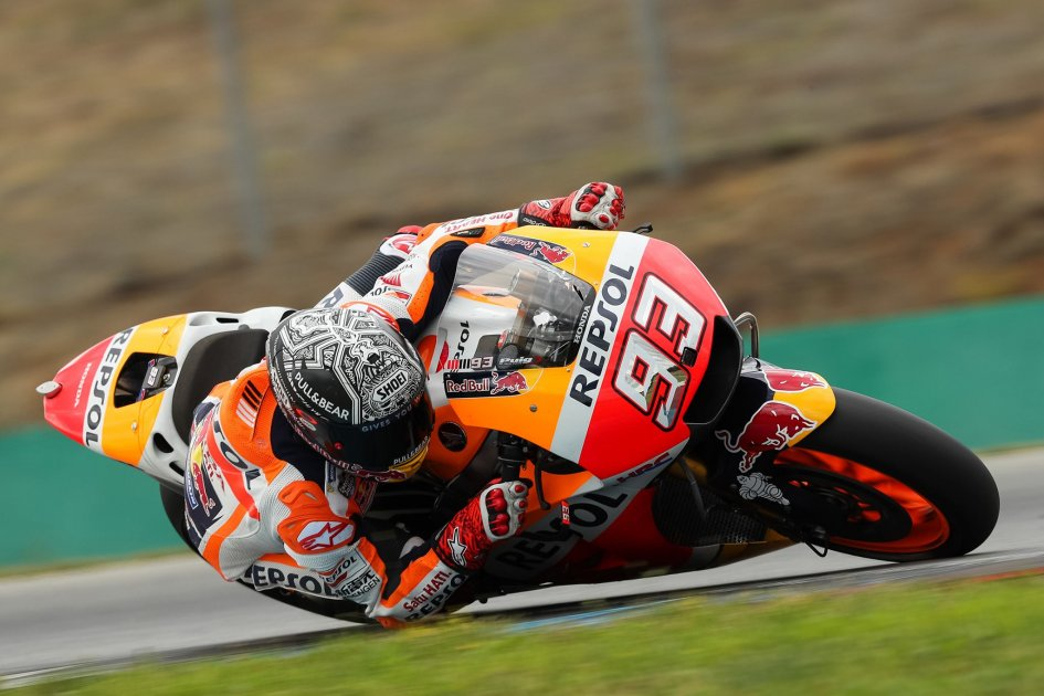 MotoGP: Marquez beats out the Ducatis in qualifying, Rossi on the third row