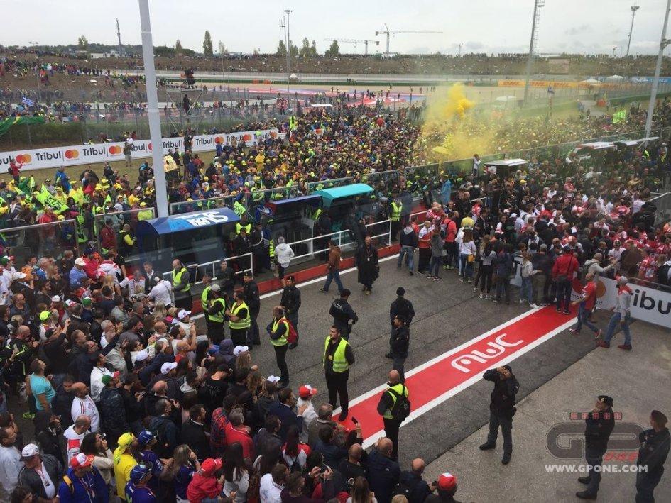 MotoGP: Marquez e Dovi: basta fischiare i piloti