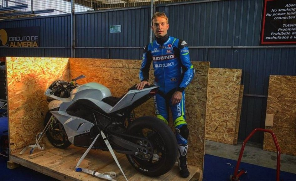 SBK: The E-Superbike on track with Guintoli