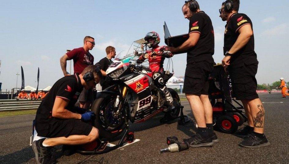 SBK: Team Triple M: per Honda siamo come Barni con Ducati