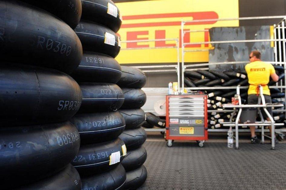 SBK: Pirelli sfoggia una nuova posteriore da bagnato a Donington