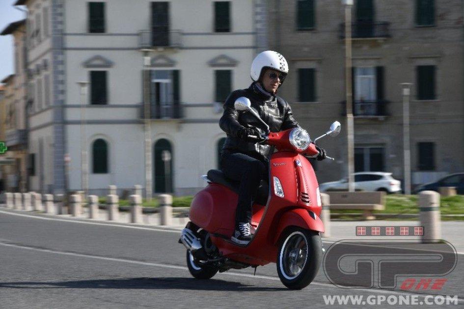 Scooter: Tutti in sella al mito nel weekend: arrivano i Vespa Days