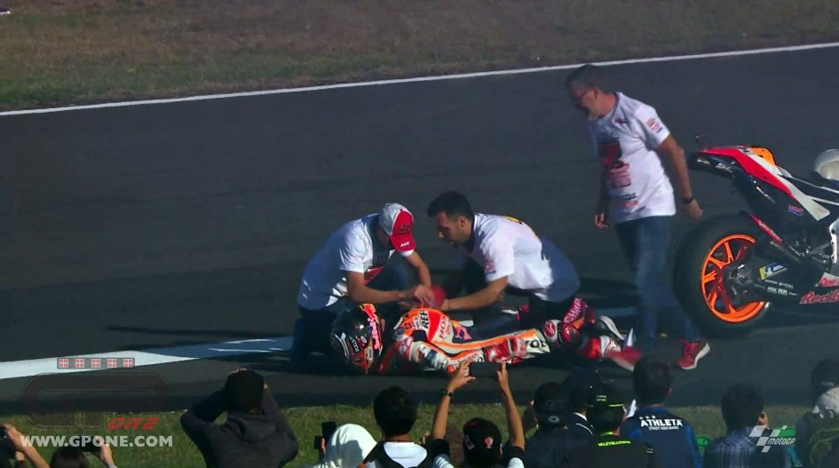 MotoGP: Photo gallery: the moment in which Marquez dislocated his shoulder