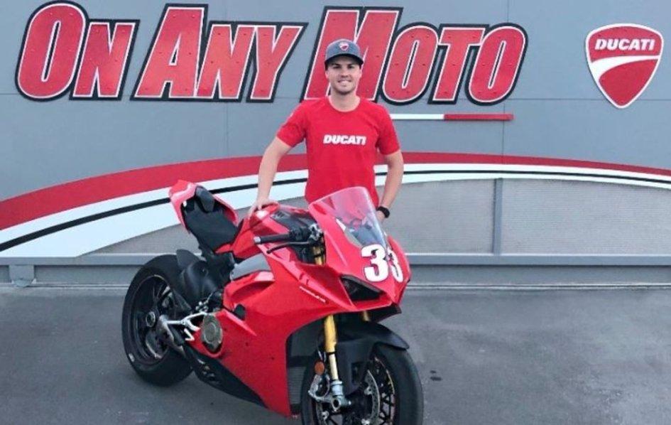 MotoAmerica: La Ducati V4 R sbarca negli USA con il team KWR