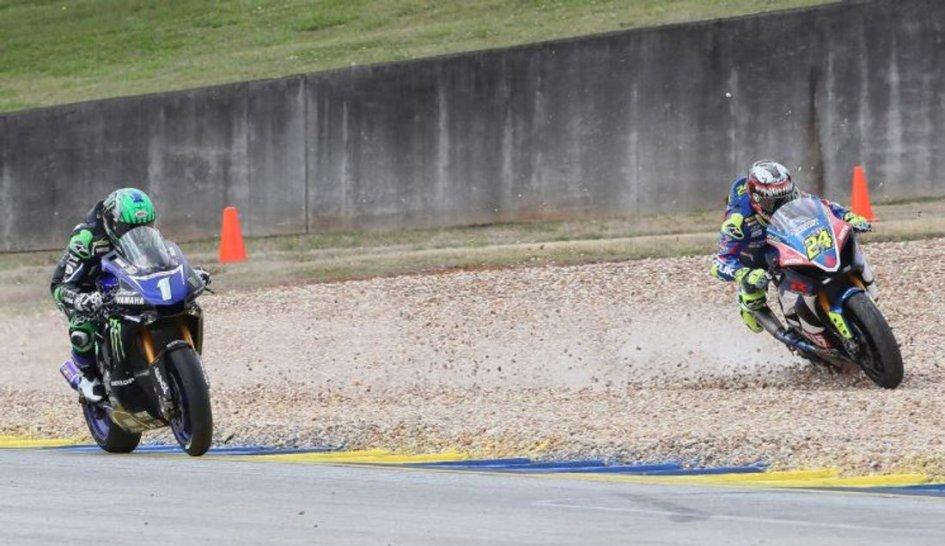 MotoAmerica: At Road Atlanta, Beaubier exploits Elias' mistake and wins