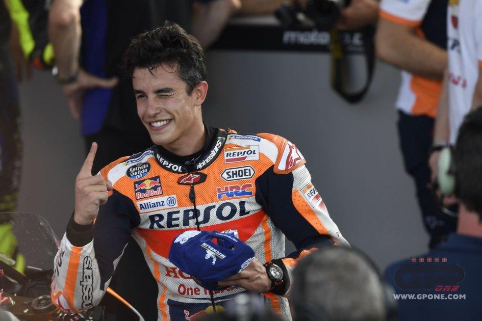 MotoGP: Marquez in pole davanti all'arzillo Rossi, e la Ducati sbaglia tutto