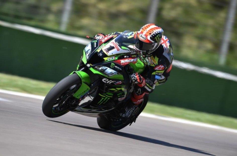 SBK: Rea e la Kawasaki incontenibili a Imola, Bautista a 1 secondo