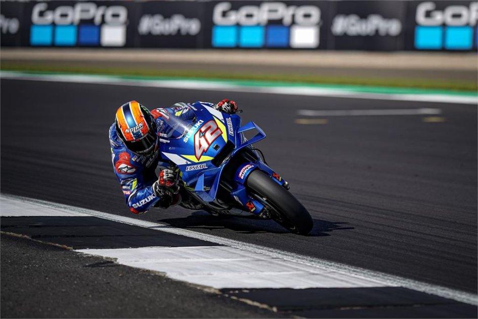 MotoGP: Rins alla Dovizioso: beffa Marquez all'ultima curva a Silverstone