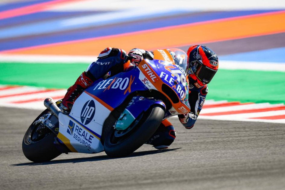 Moto2: Fernandez piega Di Giannantonio all'ultimo giro e vince a Misano