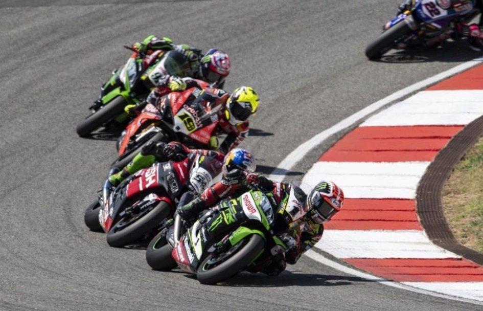 SBK: A Magny Cours la Superbike si tuffa nel 2020