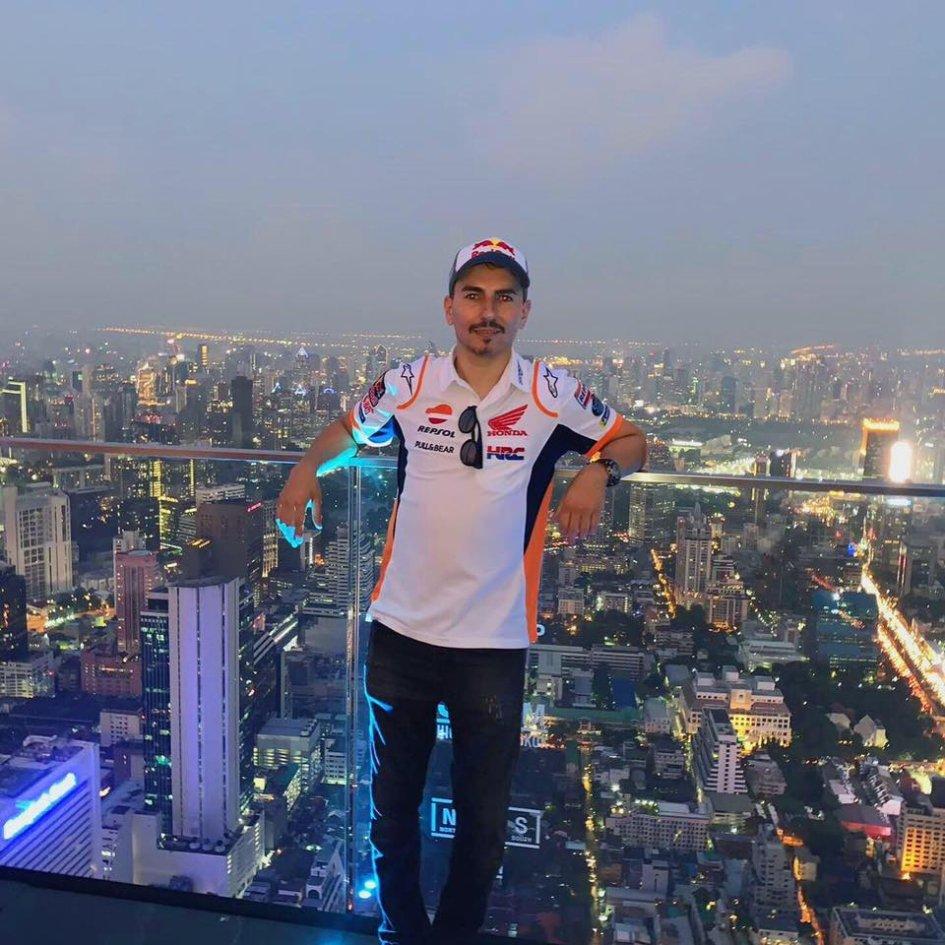 MotoGP: Lorenzo al posto di Marquez alla presentazione Honda a Bangkok