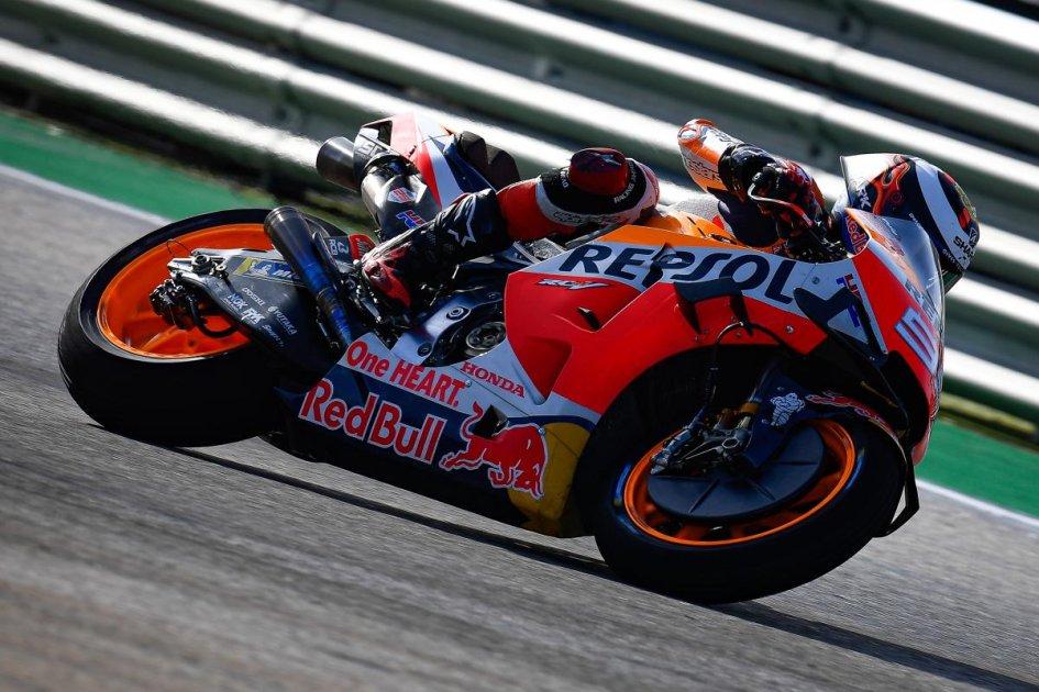 """MotoGP: Lorenzo: """"Cadere per vincere? Funziona per Marc, non per me"""""""