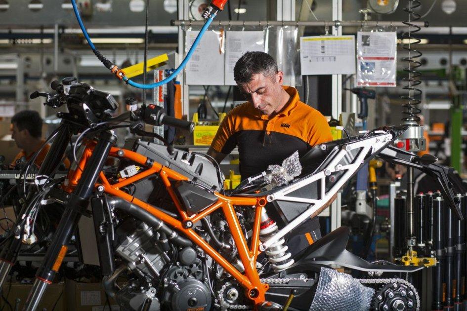 Moto - News: Coronavirus, KTM fermerà la produzione e cancella gli obiettivi 2020