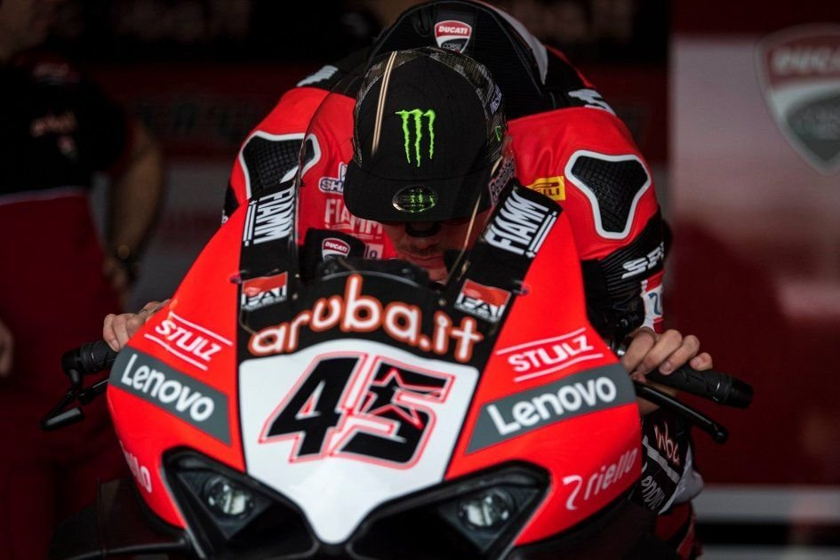 SBK: Anomaly Ducati: the Panigale V4 no longer overtakes on the straight