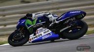 Il nuovo stile di guida, qui Lorenzo sparisce dietro alla sua Yamaha