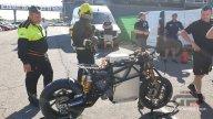 MotoE: Paura nei box a Valencia: De Puniet cade rompendo la batteria