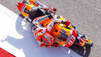 FP1: Marquez shows Lorenzo who's boss