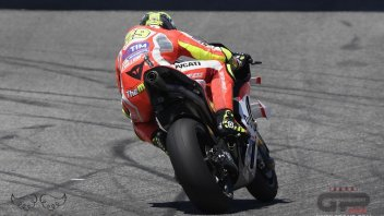 Test: Iannone 1st, Dovi 2nd, the reds set the morning's pace