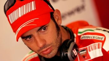 It's official: Melandri is back in red with Ducati