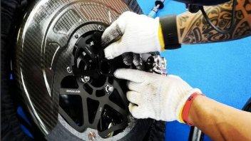 MotoGP: Freni in carbonio con l'acqua: perché i piloti li usano