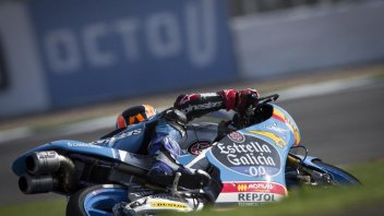 Moto3: FP1: Canet svetta a Silverstone