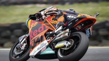 Moto2: FP3: Oliveira svetta, gli italiani a ruota