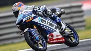 Moto3: Martin più forte del dolore, pole a Silverstone, 11° Bezzecchi