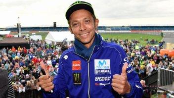 MotoGP: Rossi straccia tutti all'asta di beneficenza