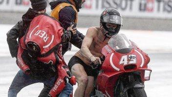 MotoGP: Redding rimane in mutande a Valencia