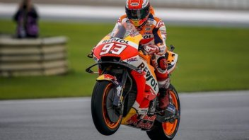 MotoGP: Marquez spaventa tutti nel warmup, Rossi risorge ed è terzo