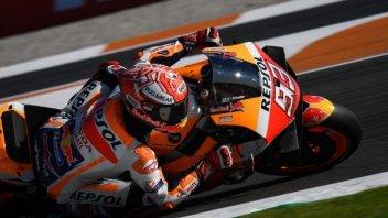 MotoGP: Marquez gioca con gli avversari e trionfa a Valencia, 8° Rossi