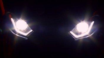News Prodotto: BMW S1000 RR 2019: occhi minacciosi