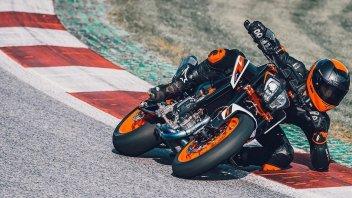"""Moto - News: KTM 890 Duke R, """"The Super Scalpel"""", la video presentazione"""