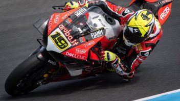 SBK: Bautista studia da MotoGP per battere Rea a Buriram
