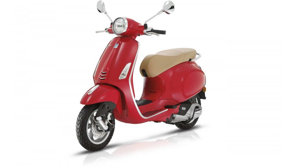 The famous scooter now boasts the i-Get engine. ABS comes standard. Prices from €4,270