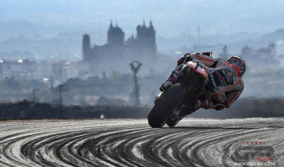 Marquez profeta in patria, rispunta Lorenzo e Valentino è costretto ad arrendersi. Brutta figura per Michelin