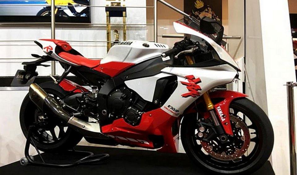 News Prodotto: Al Motorcycle Show si festeggiano i 20 anni della R1