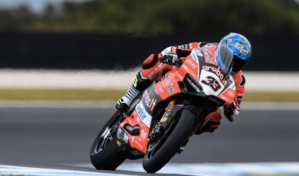 SBK: Test: Melandri regola le Kawasaki a Phillip Island