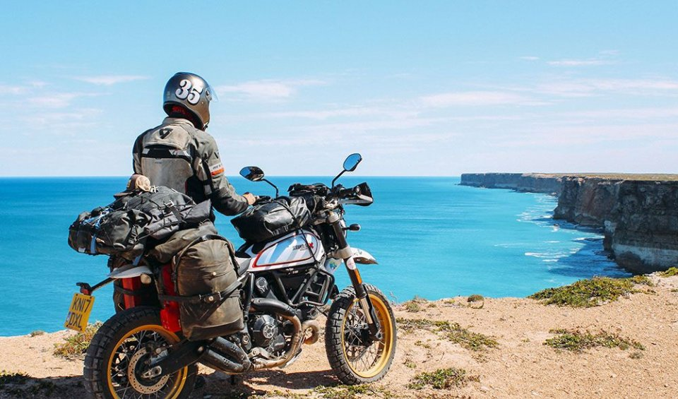 Viaggi: La Ducati Scrambler che ha fatto il giro del mondo con Henry Crew