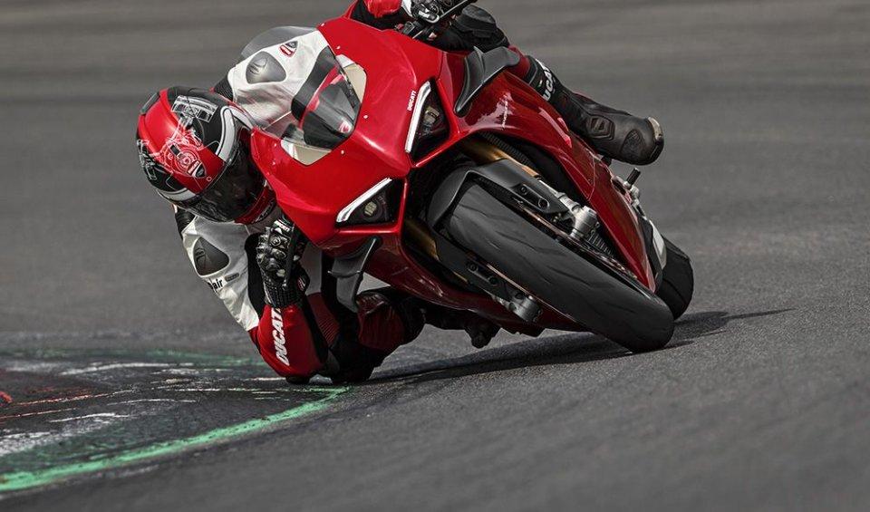 Prodotto - News: Ducati Panigale V4 2020: primo contatto tra i cordoli in Bahrain