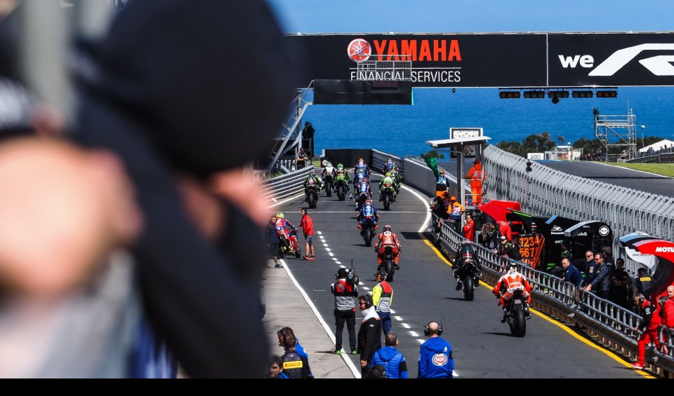 "SBK: SBK corrects Ezpeleta: ""We are not the second division but an alternative"""