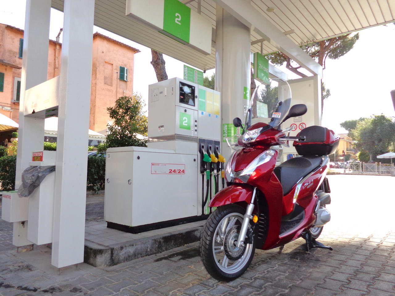 Scooter Honda Sh300i 2016 Euro4 Test Consumi Gponecom